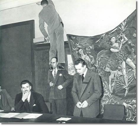 Luciern Devies, presidente del Club Alpino Francés, anuncia la expedición francesa de 1950 al Himalaya