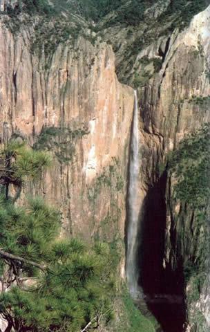 Monta ismo y exploraci n la conquista de la cascada de for Cascadas de piedra