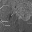 Lugares donde quedaron las diferentes partes de la sona espacial que depositó al Curiosity en Marte. Foto: NASA