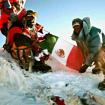 Benjamin Salazar y Danuru Sherpa en la cima del Everest. Foto: Archivo de Benjamín Salazar.